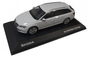 Model Superb III Combi 1:43 Moon White