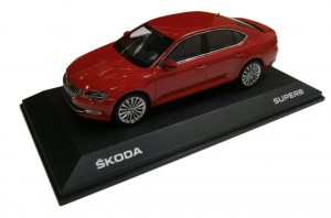 Model Superb III 1:43 Corrida Red